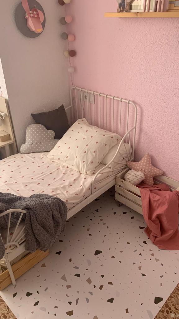Alfombra vinilica para habitación infantil